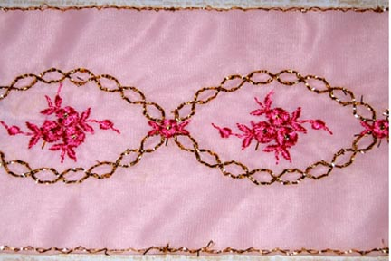 3 1/2 Embroidery Tricot Pink and Gold